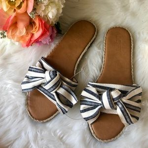 [loft] striped blue and white bow sandals